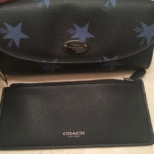 NWT Coach leather clutch wallet